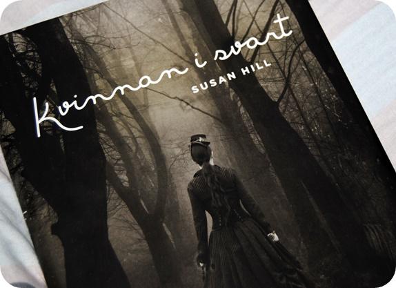 kvinnan i svart