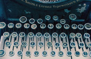 Antique-Typewriter-with-lettering-711x460