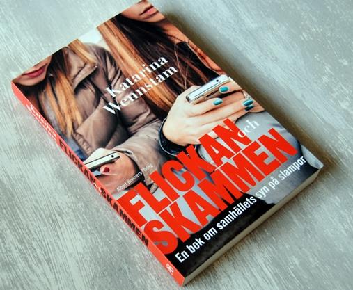 Omslagsbild Flickan och skammen: En bok om samhällets syn på slampor