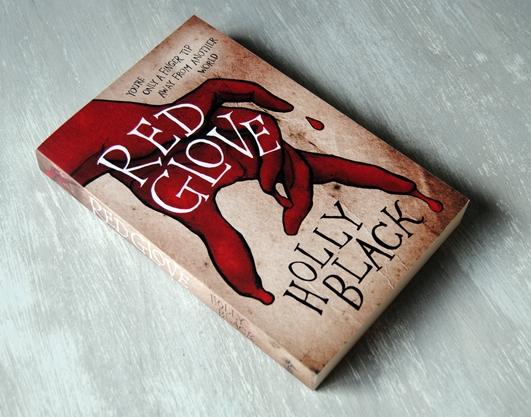 Omslagsbild Red Glove