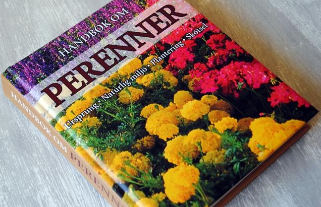 Omslagsbild Handbok om perenner