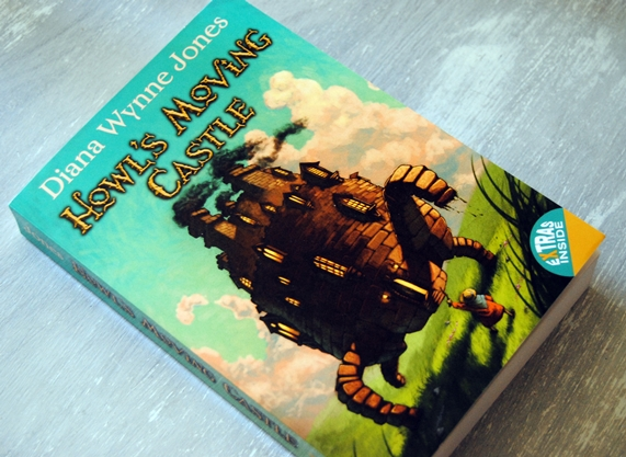 Omslagsbild Howl's Moving Castle av Diana Wynne Jones