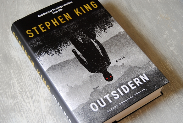 Omslagsbild Outsidern av Stephen King