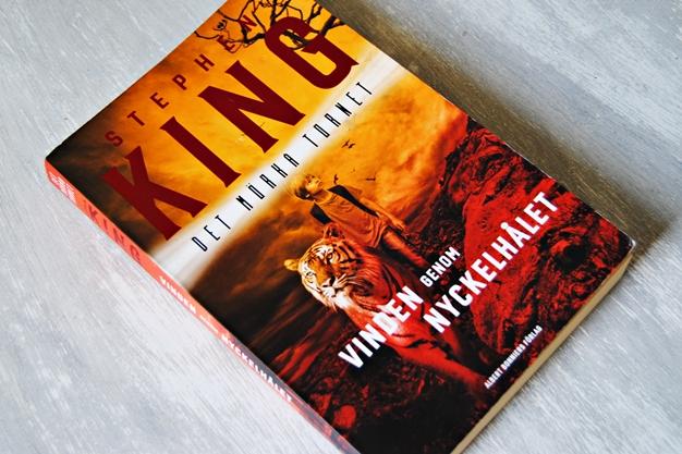 Omslagsbild Vinden genom nyckelhålet av Stephen King
