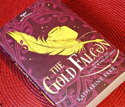 Omslagsbild The Gold Falcon av Katharine Kerr