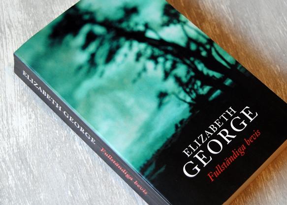 Omslagsbild Fullständiga bevis av Elizabeth George