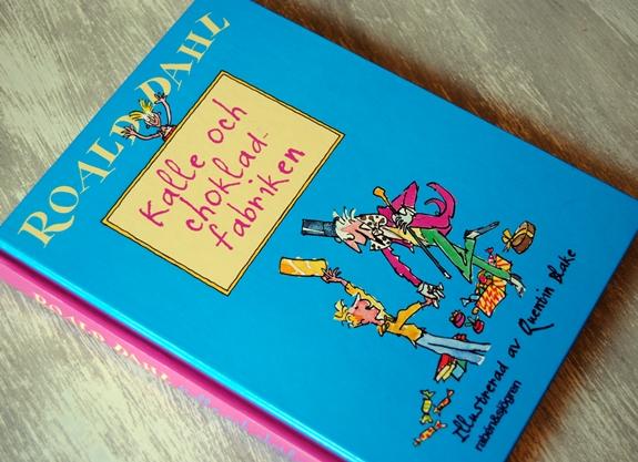 Omslagsbild Kalle och chokladfabriken av Roald Dahl