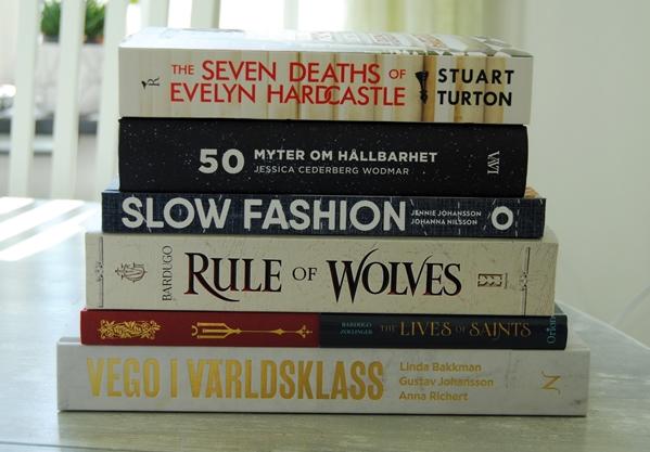 Sex böcker som jag beställde i maj.